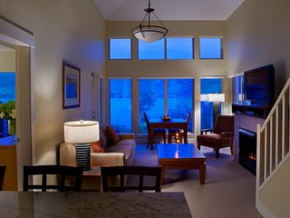 Mountain View 1 Bedroom Suite at the Incredible Cove Resort, Kelowna