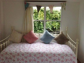 2 bed (sleeps 7) self catering van in woodland park