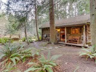 Log cabin on 25 acres w/ rustic charm & modern comfort!, Greenbank