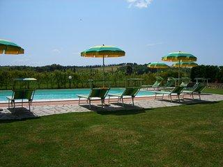 Appartamento 2 camere free wi-fi con piscina San Gimignano