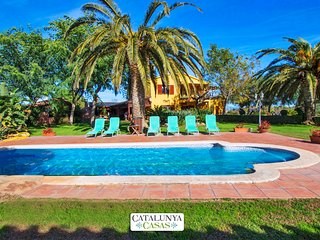 Catalunya Casas:  Incredible villa in La Selva for 14 guests, 11km from the beac