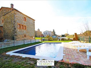 Historical 6-bedroom getaway in Vilaseca for 15 guests