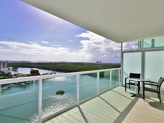 New Luxury Apartment in Sunny Isles Beach