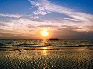 Florida Beach Coast Bungalow SL7 WiFi, Saint Pete Beach