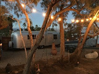"Vintage Glamping in ""The Time Capsule"" in the middle of the amazing desert"