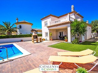 Incredible villa for 6 guests in Miami Platja, only 1.5km from the beach!