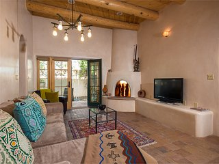 Two Casitas - Milagro - Beautiful & Spacious in the Railyard District
