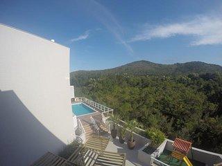 Lindo Apartamento, piscina e playground, ar condicionado e WIFI -Praia de Palmas