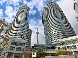 Amazing Waterfront View Modern 1 BR Condo Downtown Toronto HarbourFront