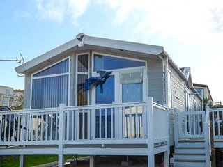 THE VOGUE LODGE, ground floor, open plan, on-site facilities in Swanage, Ref