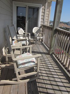 Relax on the 3rd floor balcony in comfort and enjoy the breeze&views. Plenty of seating available.