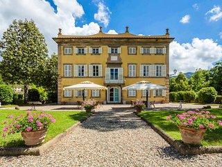 Villa Luminoso holiday vacation large luxury villa rental italy, tuscany, near