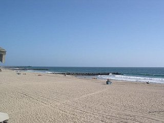 Large Oceanfront Home - Beach Front Patio with Hot Tub, Panoramic Views!, Newport Beach