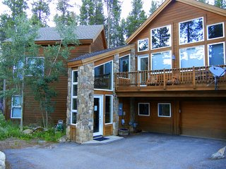 Ski in/out luxury 3 BD / 3 1/2 BA  duplex, hot tub
