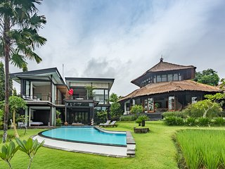 Omah Sabin Villa - 2 Bedroom Luxury Villa at Canggu with Rice Terrace and Pool