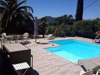 Hyeres Location Villa avec piscine - 8 couchages