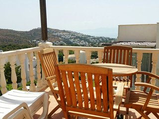 YALIKAVAK HOLIDAY GARDENS BEST APARTMENT WITH SEAVIEW, 7 POOLS PLUS A SLIDE POOL