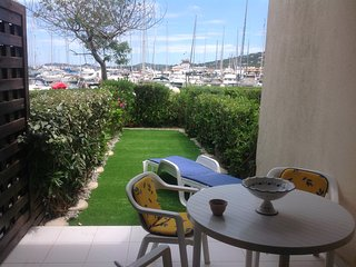 Agreable appartement au pied de l'eau face a Saint Tropez