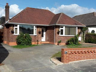 Pretty Detached Bungalow with private garden Poole Dorset On the Jurassic coast