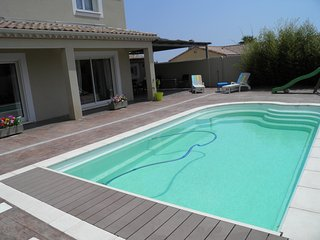 Superb 4 Bed Modern Villa with Pool & Gardens, Nezignan l'Eveque