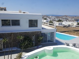 5 Bedroomed Villa withPrivate Pool  In Mykonos,Greece - GR201, Ornos