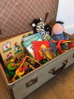Teddies, books and toys.