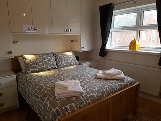 "Luxury Holiday Home in York - Near Award Winning ""Bishy Road"""