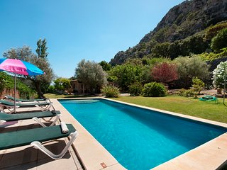 C33MLL Villa in a stunning location on the lower slopes of Puig de Maria mountai