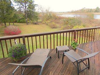 Superb Bay Views, Walk to Paine's Creek Beach, AC, Pets Considered; 068-B, Brewster