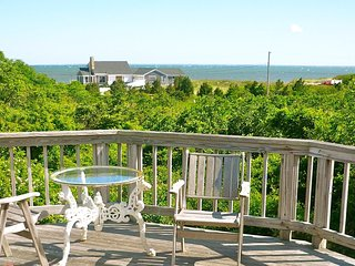 Bay Views, 2 Minute Walk to Beach, Sleeps 10-154-B