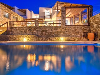 4 Bedroomed Private Pool Villa In Mykonos - GR203