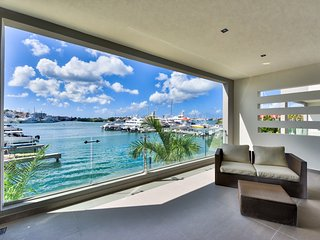 ★ MODERN LAGOON VIEW 1BR WITH A TERRACE ★, Simpson Bay
