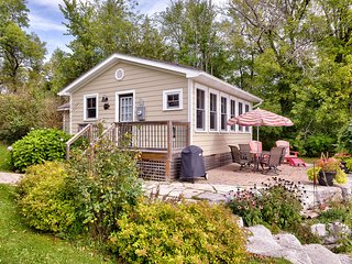 The Cottages-at-Turtlehill - Waterlily Cottage, Newboro