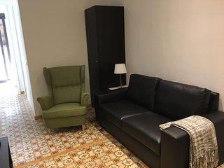 Nuevo apartamento con ascensor en el centro de Barcelona .