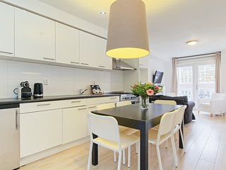 In Charming Jordaan Area With 3BR, Ámsterdam