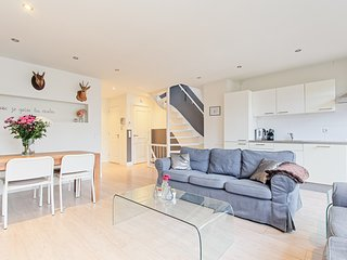 4BR Family Apartment in Lively Jordaan Area, Amsterdam