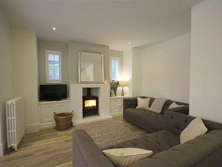 Large Modern Open Plan Detached House - Sleeps 8, Lytham St Anne's