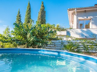 Saint Raphael Boulouris, tres agreable appartement