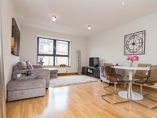 Glasgow holiday apartment in the trendy West End