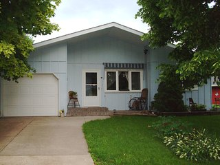 Fully furnished, cozy home in South La Crosse
