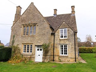 CC039 House in Burford