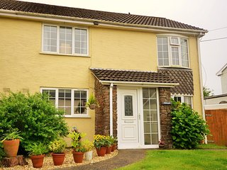 37347 House in Bude