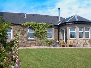 AY153 Cottage in Saltcoats