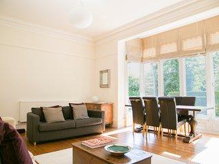 Park Drive Deluxe 2 bedroom apartment, Harrogate
