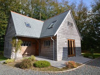 PENDW Log Cabin in Boscastle
