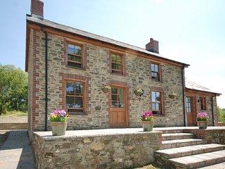 LLWYD Cottage in Newcastle Eml, Rhos
