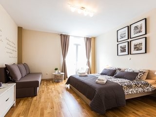 Calle Larga apartment in old town