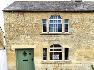 Pearl Cottage - Luxury Period Cotswolds Retreat - Sleeps 5