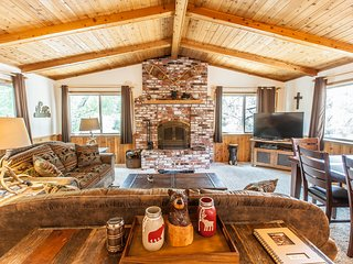 Bear Mountain Retreat - Gorgeous Big Bear Getaway with ALL the Amenities/Views