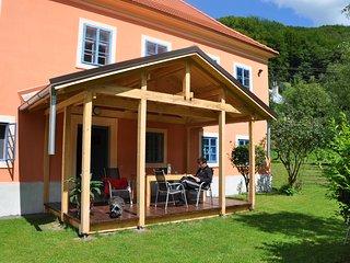 Romantisch,  comfortabel landhuis met grote tuin aan de bosrand in Unesco gebied
